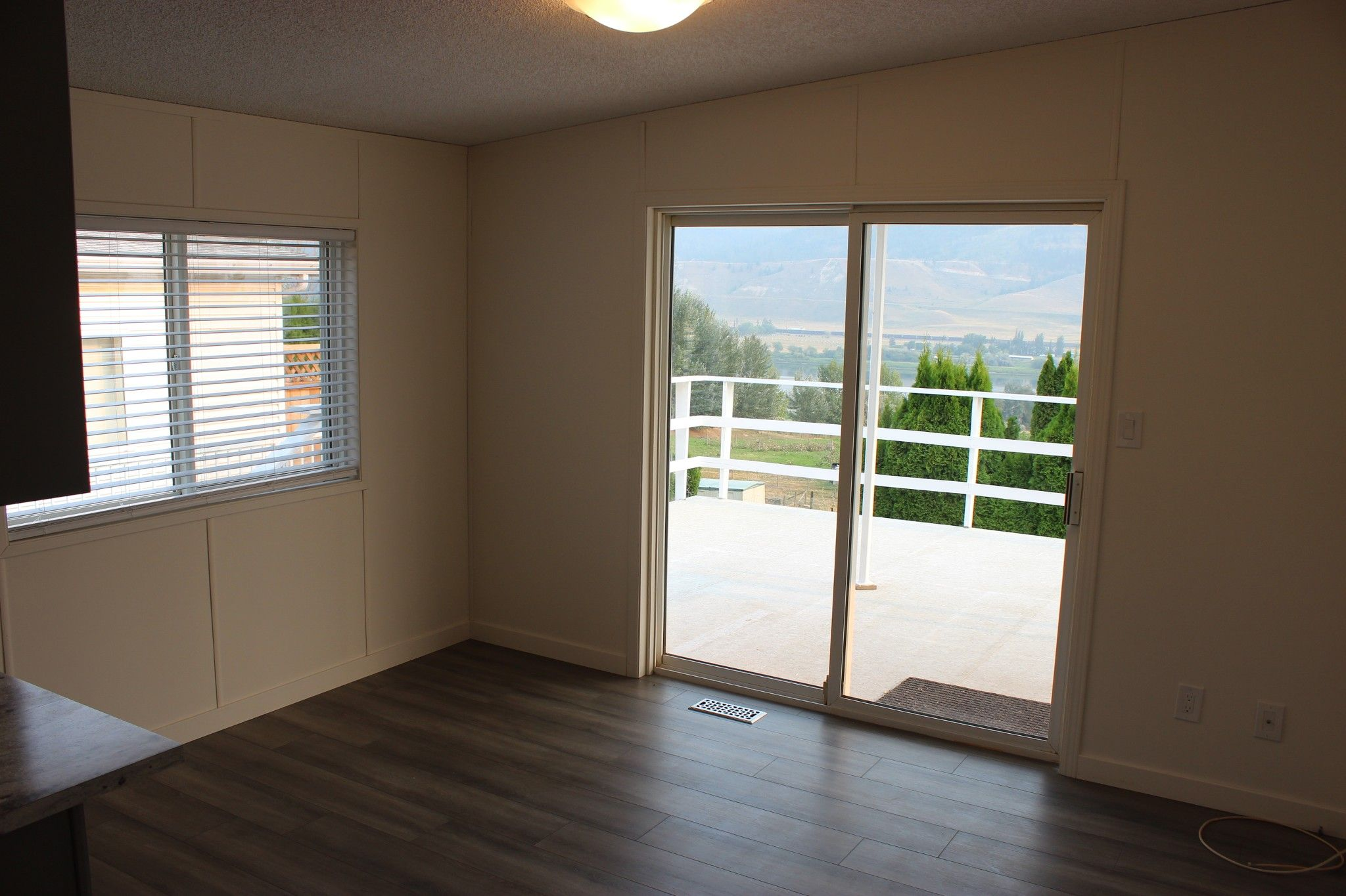 Photo 8: Photos: 22 3099 E Shuswap Road in Kamloops: South Thompson Valley Manufactured Home for sale : MLS®# 147827
