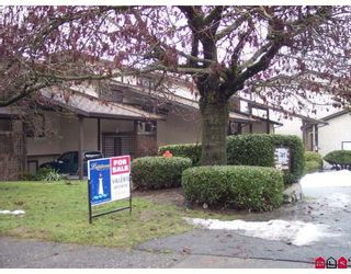 """Photo 3: 16 33361 WREN Crescent in Abbotsford: Central Abbotsford Townhouse for sale in """"SHERWOOD HILLS"""" : MLS®# F2900637"""