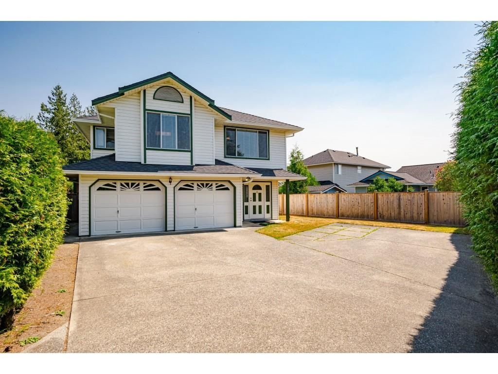 Main Photo: 5220 197A Street in Langley: Langley City House for sale : MLS®# R2601714