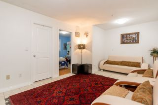 """Photo 13: 450 E 44TH Avenue in Vancouver: Fraser VE 1/2 Duplex for sale in """"Main/Fraser"""" (Vancouver East)  : MLS®# R2108825"""