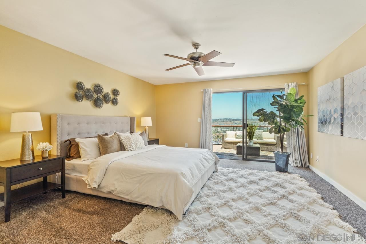 Main Photo: UNIVERSITY HEIGHTS Townhouse for sale : 3 bedrooms : 4490 Caminito Fuente in San Diego