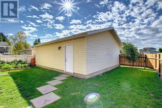 Photo 40: 95 Castle Crescent in Red Deer: House for sale : MLS®# A1144675