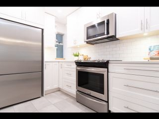 Photo 5: 36 W 14TH AVENUE in Vancouver: Mount Pleasant VW Townhouse for sale (Vancouver West)  : MLS®# R2541841
