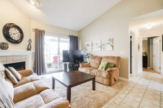 """Photo 9: 7 5760 174 Street in Surrey: Cloverdale BC Townhouse for sale in """"Stetson Village"""" (Cloverdale)  : MLS®# R2559810"""