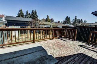 Photo 19: 137 Woodglen Way SW in Calgary: Woodbine Semi Detached for sale : MLS®# A1092343
