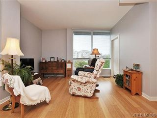 Photo 4: 302 399 Tyee Rd in VICTORIA: VW Victoria West Condo for sale (Victoria West)  : MLS®# 637735