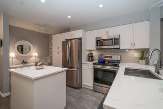 """Photo 4: 105 15210 PACIFIC Avenue: White Rock Condo for sale in """"Ocean Ridge"""" (South Surrey White Rock)  : MLS®# R2376269"""