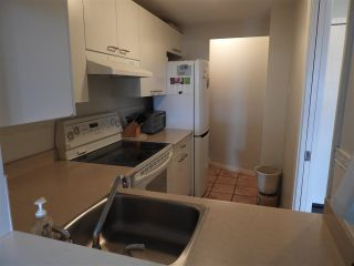 """Photo 7: 503 15111 RUSSELL Avenue: White Rock Condo for sale in """"Pacific Terrace"""" (South Surrey White Rock)  : MLS®# R2576194"""