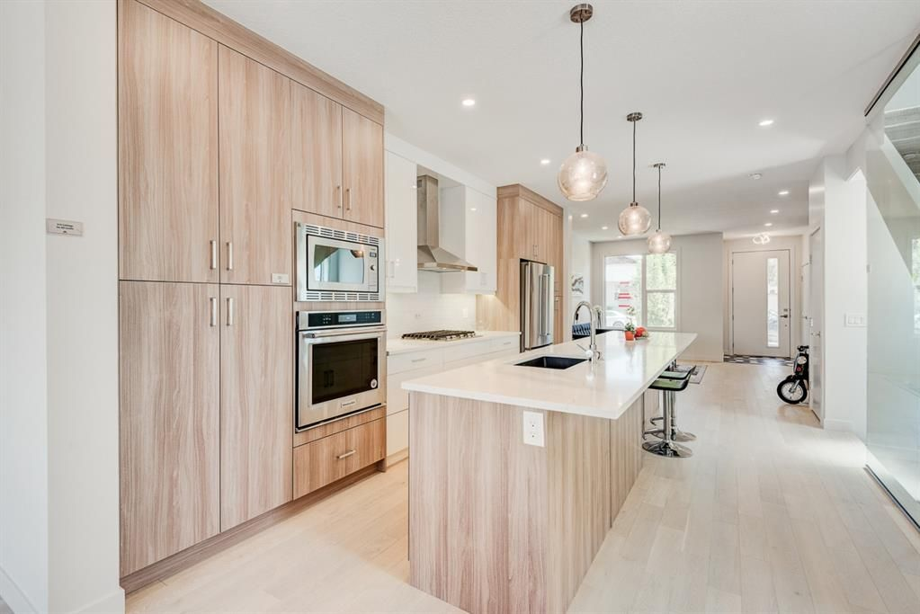 Photo 8: Photos: #1 4207 2 Street NW in Calgary: Highland Park Semi Detached for sale : MLS®# A1111957