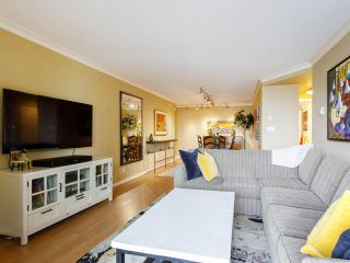 """Photo 4: 704 1575 W 10TH Avenue in Vancouver: Fairview VW Condo for sale in """"TRITON"""" (Vancouver West)  : MLS®# R2480004"""