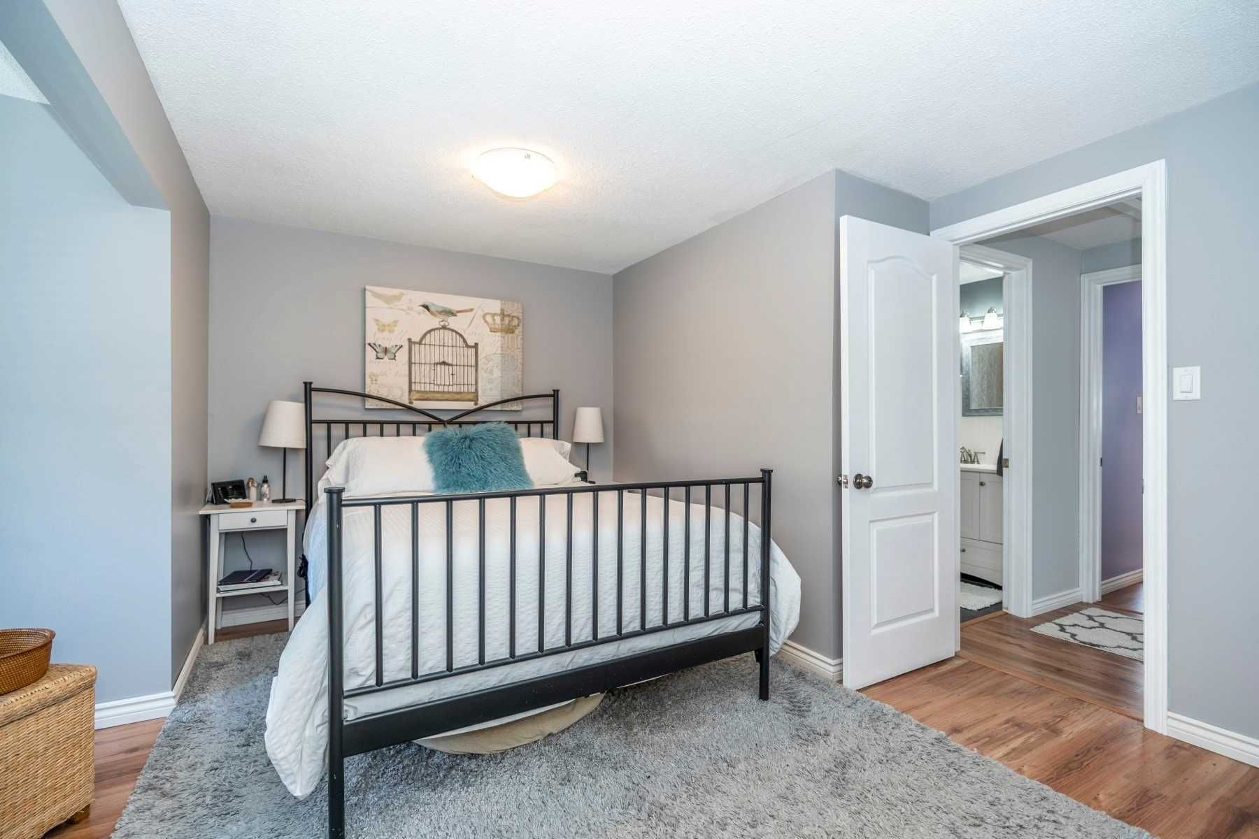 Photo 13: Photos: 547 Camelot Drive in Oshawa: Eastdale House (2-Storey) for sale : MLS®# E4529227