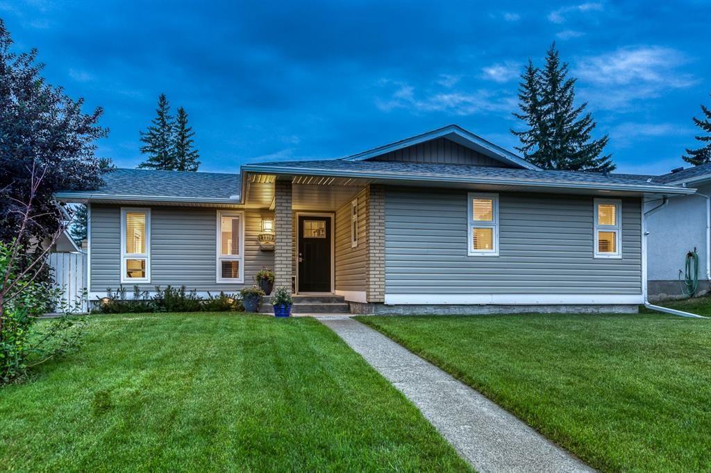 Main Photo: 1119 Lake Sylvan Place SE in Calgary: Lake Bonavista Detached for sale : MLS®# A1126152