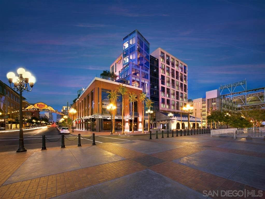 Main Photo: DOWNTOWN Condo for sale: 207 5TH AVE. #927 in SAN DIEGO