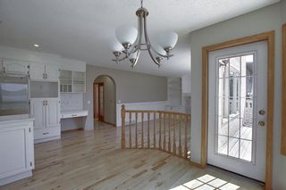 Photo 14: 83 SILVERSTONE Road NW in Calgary: Silver Springs Detached for sale : MLS®# A1022592