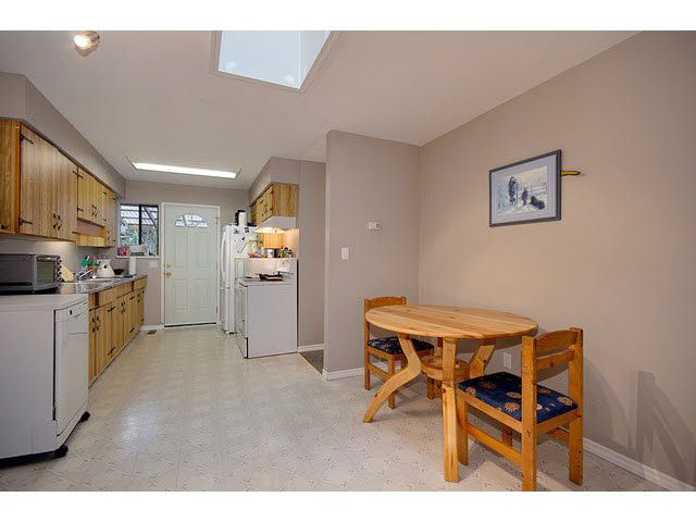 Photo 6: Photos: 1837 KING GEORGE Boulevard in Surrey: King George Corridor 1/2 Duplex for sale (South Surrey White Rock)  : MLS®# F1430326
