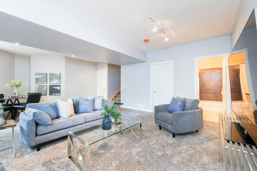 Photo 36: Photos: 32 Prominence Park SW in Calgary: Patterson Row/Townhouse for sale : MLS®# A1112438