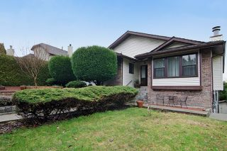 Photo 2: 413 MARINER Way in Coquitlam: Coquitlam East House for sale : MLS®# R2042897