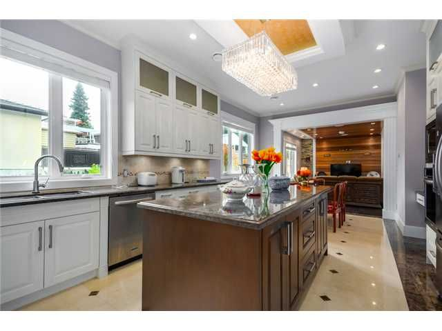 Photo 5: Photos: 4791 CLINTON ST in Burnaby: South Slope House for sale (Burnaby South)  : MLS®# V1084047