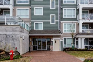 """Photo 5: # 414 -16388 64 Avenue in Surrey: Cloverdale BC Condo for sale in """"THE RIDGE AT BOSE FARMS"""" (Cloverdale)  : MLS®# R2143424"""