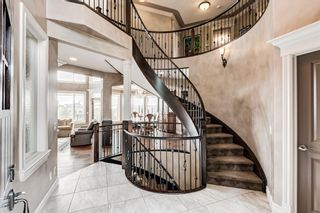 Photo 2: 64 Rockcliff Point NW in Calgary: Rocky Ridge Detached for sale : MLS®# A1125561