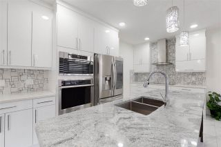 Photo 12: 6233 167A Avenue in Edmonton: Zone 03 House for sale : MLS®# E4225107
