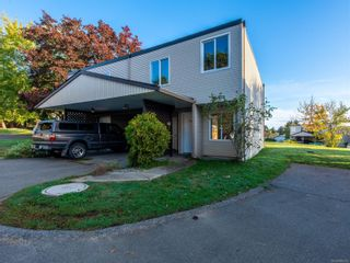 Photo 2: 24 444 Bruce Ave in : Na University District Row/Townhouse for sale (Nanaimo)  : MLS®# 866353