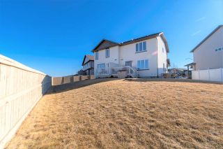 Photo 2: 16833 51 Street in Edmonton: Zone 03 House Half Duplex for sale : MLS®# E4237781
