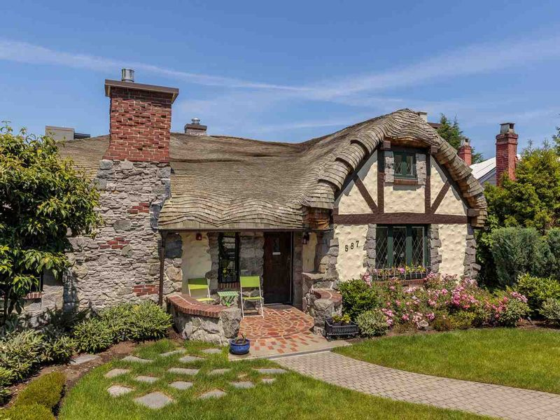 FEATURED LISTING: 587 KING EDWARD Avenue West Vancouver