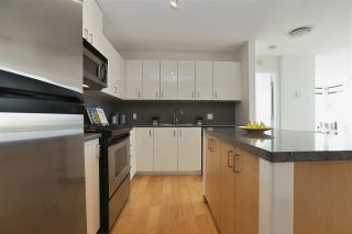 """Photo 14: 604 155 W 1ST Street in North Vancouver: Lower Lonsdale Condo for sale in """"TIME"""" : MLS®# R2335827"""