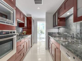 Photo 2: 406 590 NICOLA STREET in Vancouver: Coal Harbour Condo for sale (Vancouver West)  : MLS®# R2302772