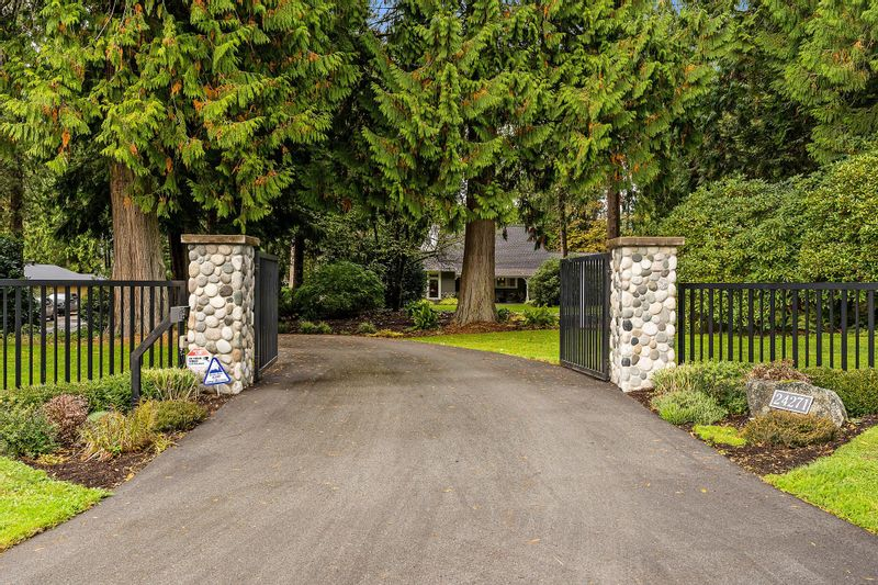FEATURED LISTING: 24271 124 Avenue Maple Ridge
