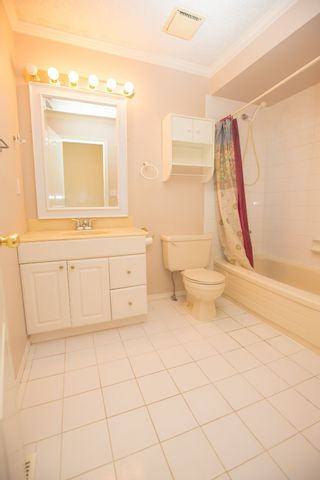 """Photo 5: 275 BALMORAL PL in Port Moody: North Shore Pt Moody Townhouse for sale in """"BALMORAL PLACE"""" : MLS®# V996164"""