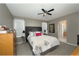 Photo 15: 131 Valley Stream Circle NW in Calgary: Valley Ridge House for sale : MLS®# C4092729