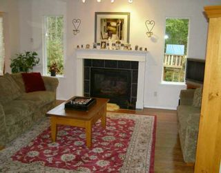 Photo 2: 960 SEAWARD Close in Gibsons: Gibsons & Area House for sale (Sunshine Coast)  : MLS®# V626769