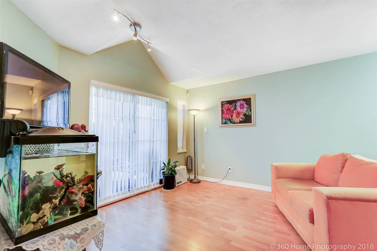"""Photo 6: Photos: 21 7488 SALISBURY Avenue in Burnaby: Highgate Townhouse for sale in """"WINSTON GARDEN"""" (Burnaby South)  : MLS®# R2260408"""