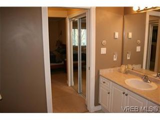 Photo 11: 26 300 Six Mile Rd in VICTORIA: VR Six Mile Row/Townhouse for sale (View Royal)  : MLS®# 560855