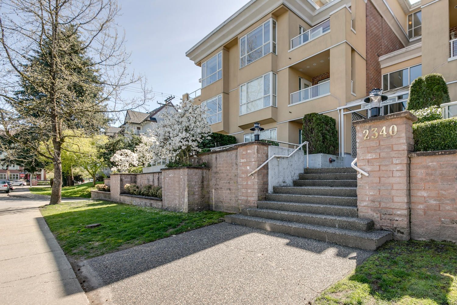 Main Photo: Port Coquitlam Condo for Sale 102 2340 Hawthorne Ave 2 bedrooms 1 bathroom 786 sq. ft.
