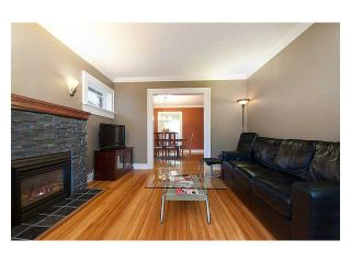 Photo 2: 3323 W 10TH Avenue in Vancouver: Kitsilano House for sale (Vancouver West)  : MLS®# V859119