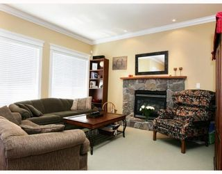 Photo 4: 414 ALBERTA Street in New_Westminster: The Heights NW House for sale (New Westminster)  : MLS®# V754635