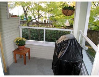 """Photo 9: 209 3638 RAE Avenue in Vancouver: Collingwood VE Condo for sale in """"RAINTREE GARDENS"""" (Vancouver East)  : MLS®# V741416"""