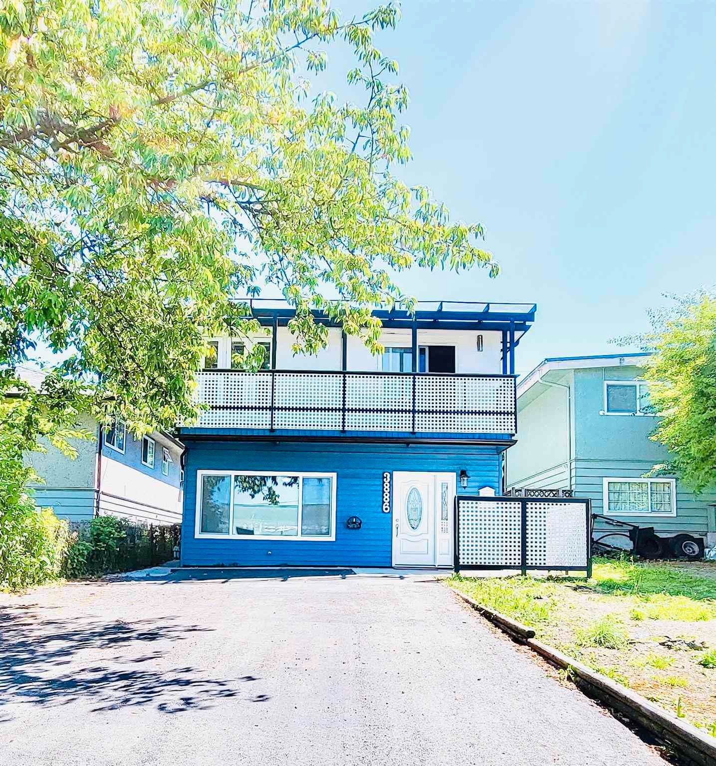 Main Photo: 3886 MYRTLE Street in Burnaby: Central BN House for sale (Burnaby North)  : MLS®# R2533583