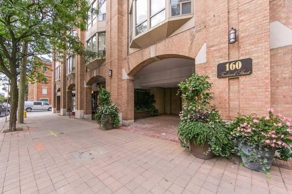 Main Photo: 507 160 Frederick Street in Toronto: Moss Park Condo for sale (Toronto C08)  : MLS®# C4592536