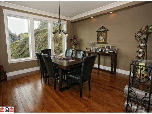 """Photo 5: Photos: 36477 CARNARVON Court in Abbotsford: Abbotsford East House for sale in """"EAGLERIDGE"""" : MLS®# F1227017"""