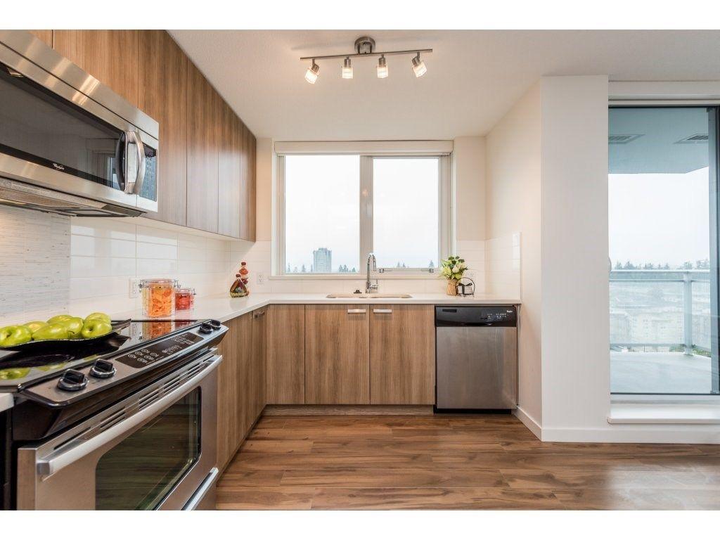 "Photo 3: Photos: 712 13325 102A Avenue in Surrey: Whalley Condo for sale in ""ULTRA"" (North Surrey)  : MLS®# R2166205"