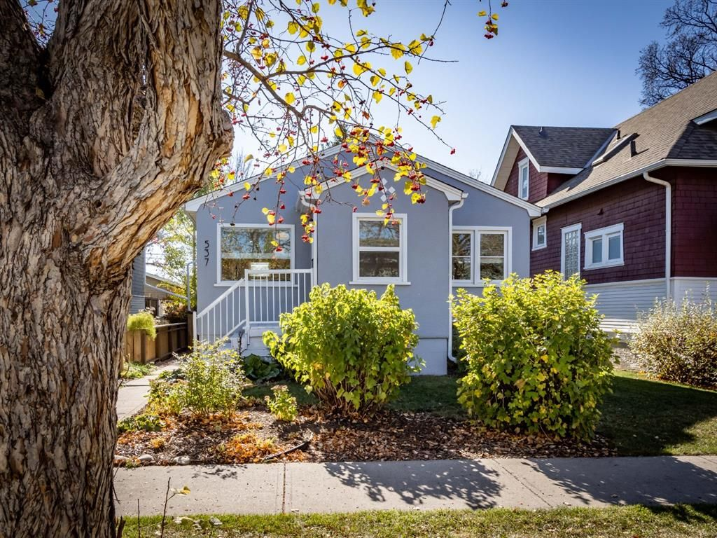 Main Photo: 537 18 Avenue NW in Calgary: Mount Pleasant Detached for sale : MLS®# A1152653