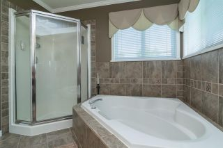 Photo 11: 6459 184 Street in Surrey: Cloverdale BC House for sale (Cloverdale)  : MLS®# R2106667