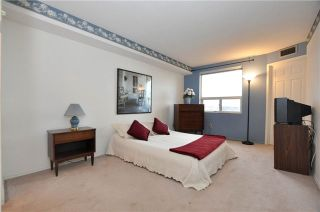 Photo 3: 807 2 Raymerville Drive in Markham: Raymerville Condo for sale : MLS®# N3408510