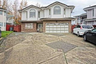 Photo 2: 7086 126A Street in Surrey: West Newton House for sale : MLS®# R2119592