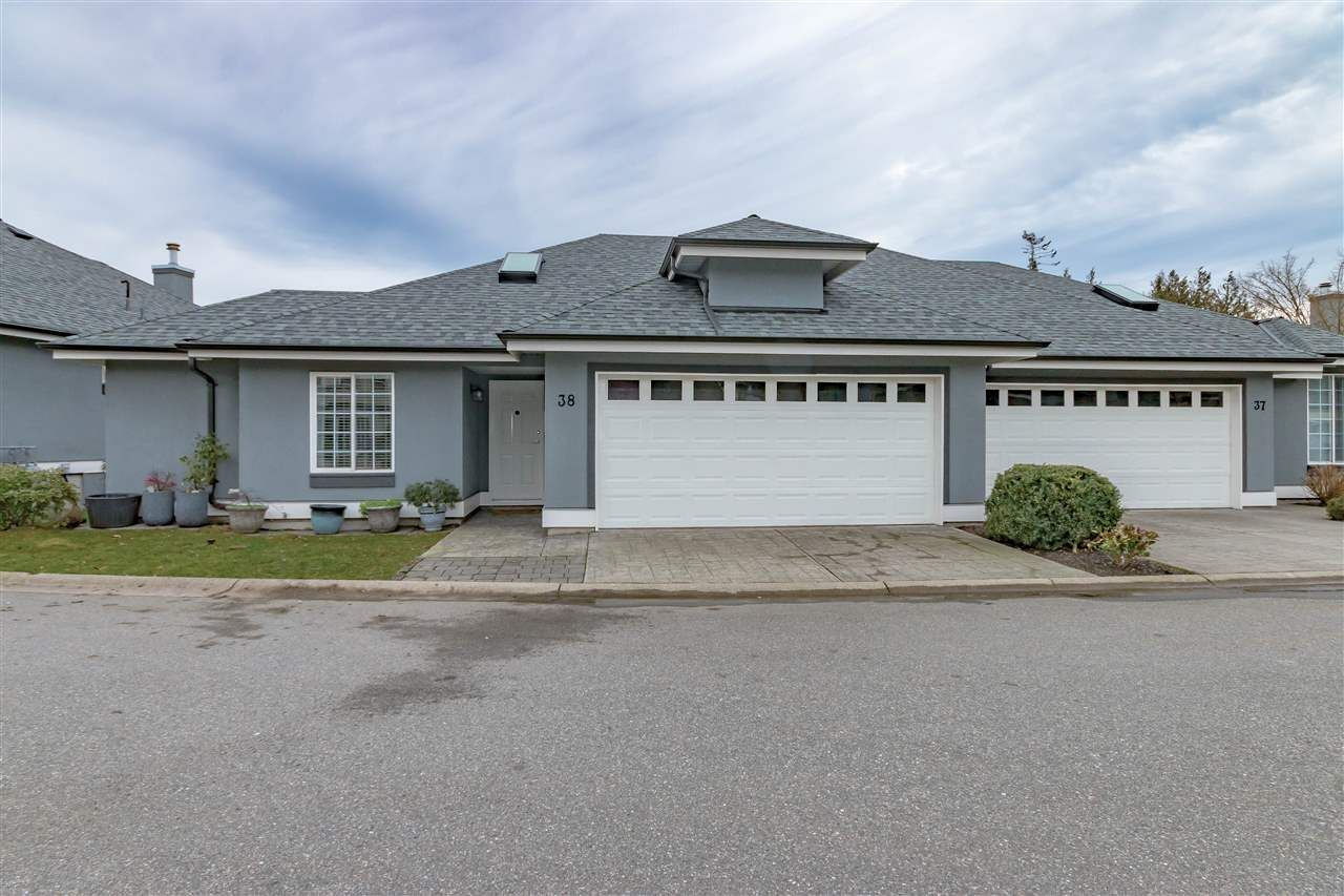 "Main Photo: 38 2068 WINFIELD Drive in Abbotsford: Abbotsford East Townhouse for sale in ""SUMMIT AT ROSEHILL"" : MLS®# R2232393"