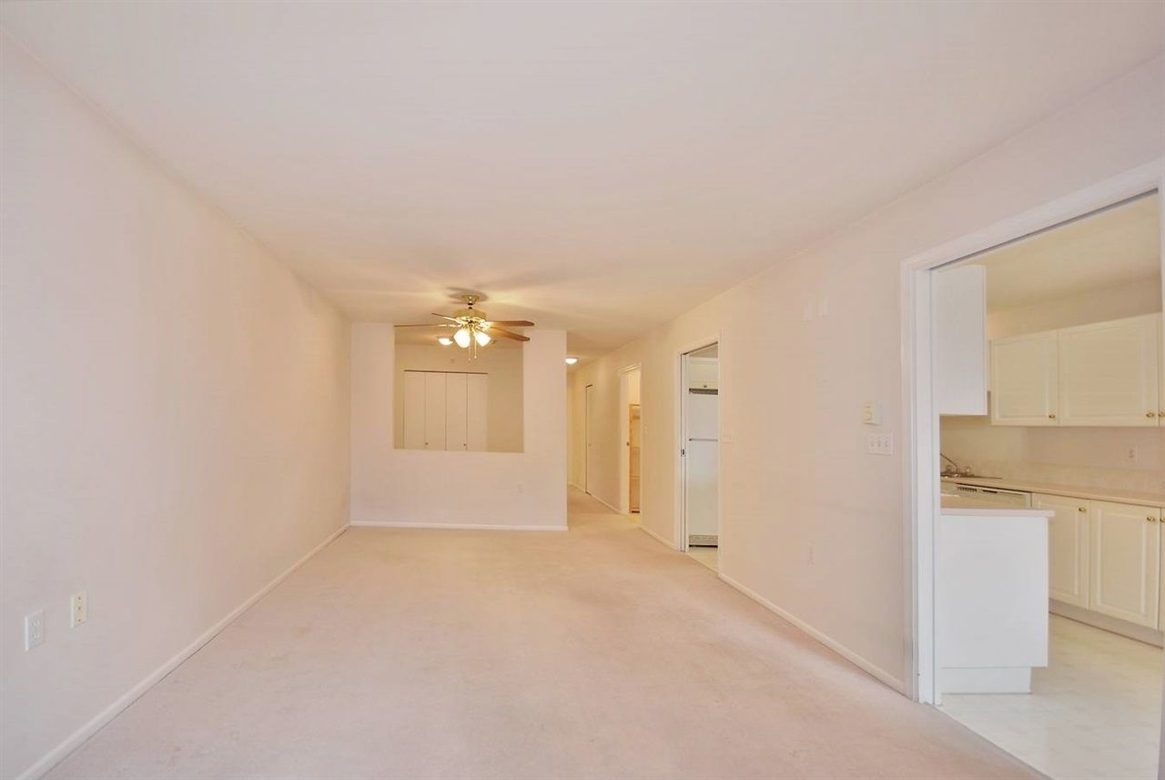 """Photo 4: Photos: 306 102 BEGIN Street in Coquitlam: Maillardville Condo for sale in """"CHATEAU D'OR"""" : MLS®# R2015247"""